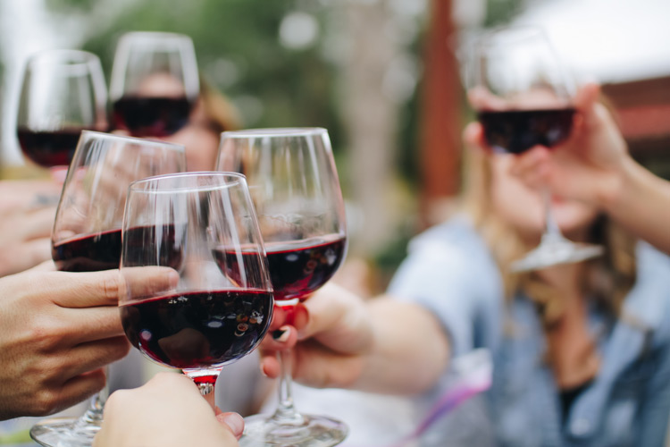 The Seven Best Types of Wines You Should Try This Thanksgiving